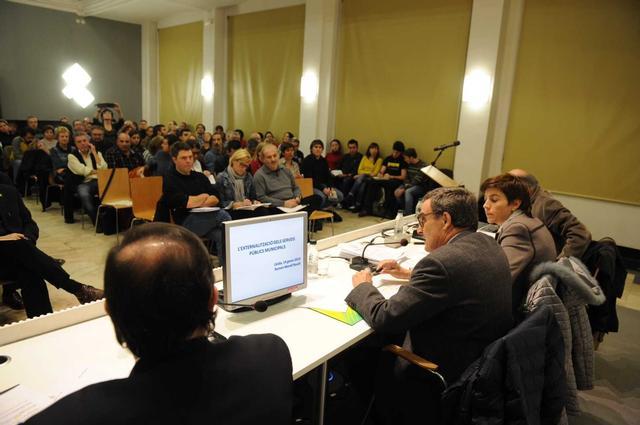 Imatge Ros presidint audiència pública